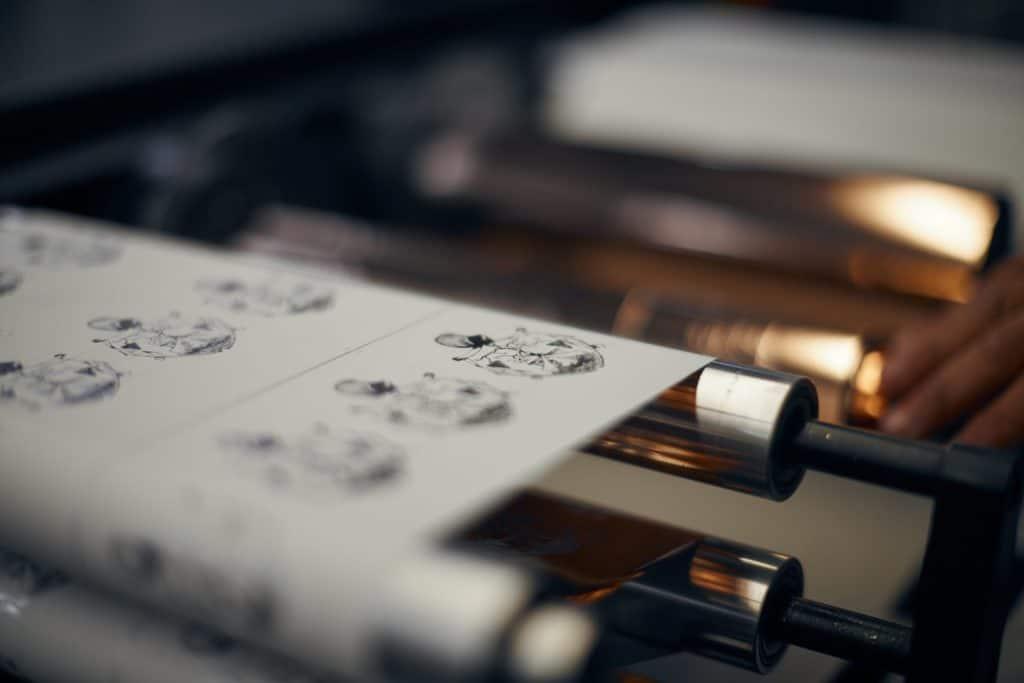 Druckmaschine Goldfolie